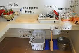 Armarios en la cocina con el método Montessori en casa