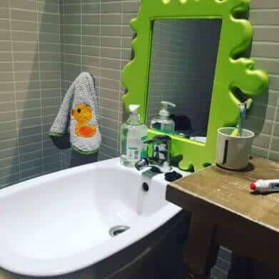 Configuración de un lavabo para Montessori en casa